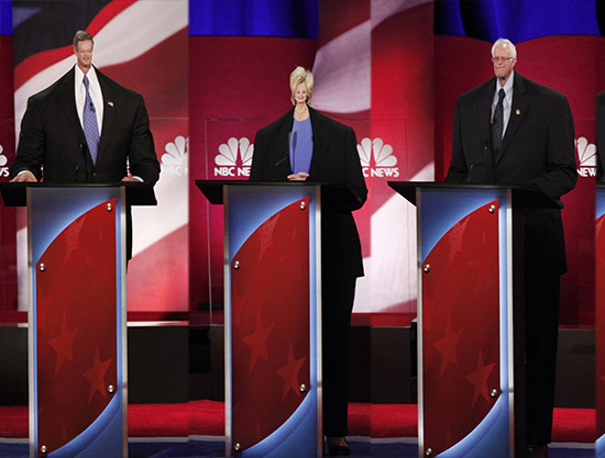 Democratic U.S. presidential candidates (L-R) former Governor Martin O'Malley, former Secretary of State Hillary Clinton and U.S. Senator Bernie Sanders at the start at the NBC News - YouTube Democratic presidential candidates debate in Charleston, South Carolina January 17, 2016. REUTERS/Randall Hill  - RTX22T5B